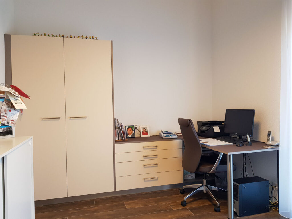 Realisierte Objekte Büromöbel (2)