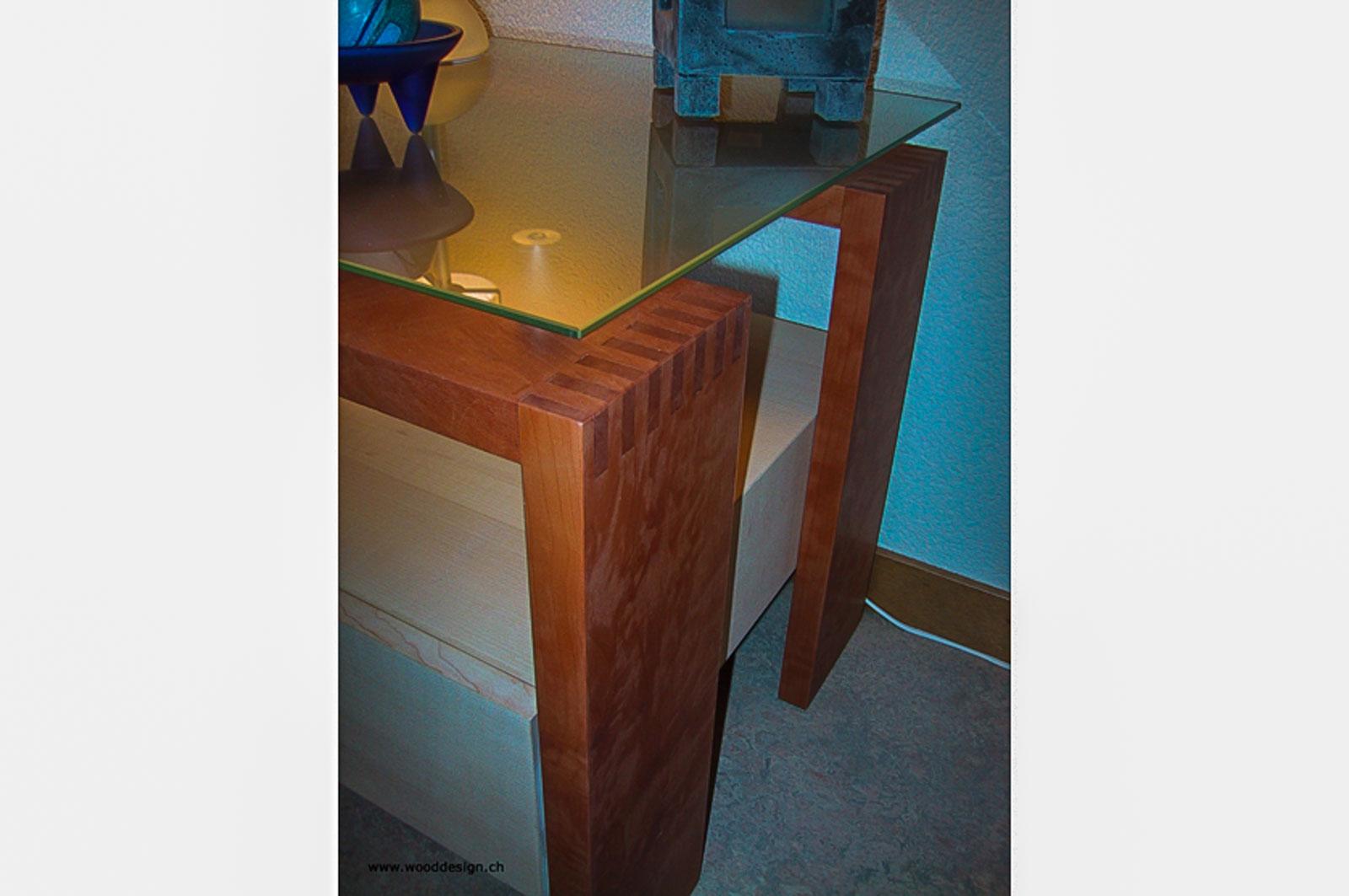Wooddesign_Bett_Trinatura_Kopfteil_ Massivholz-Nachttischli (3)