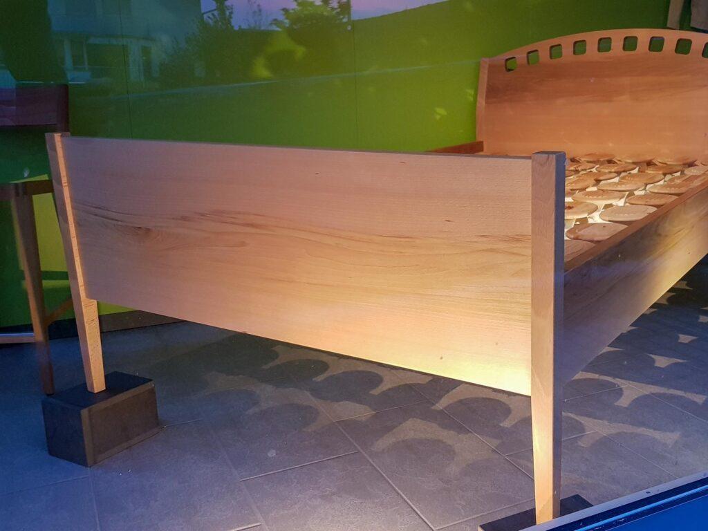Wooddesign_Bett_Trinatura_Kopfteil_Buche_ Holz (2)