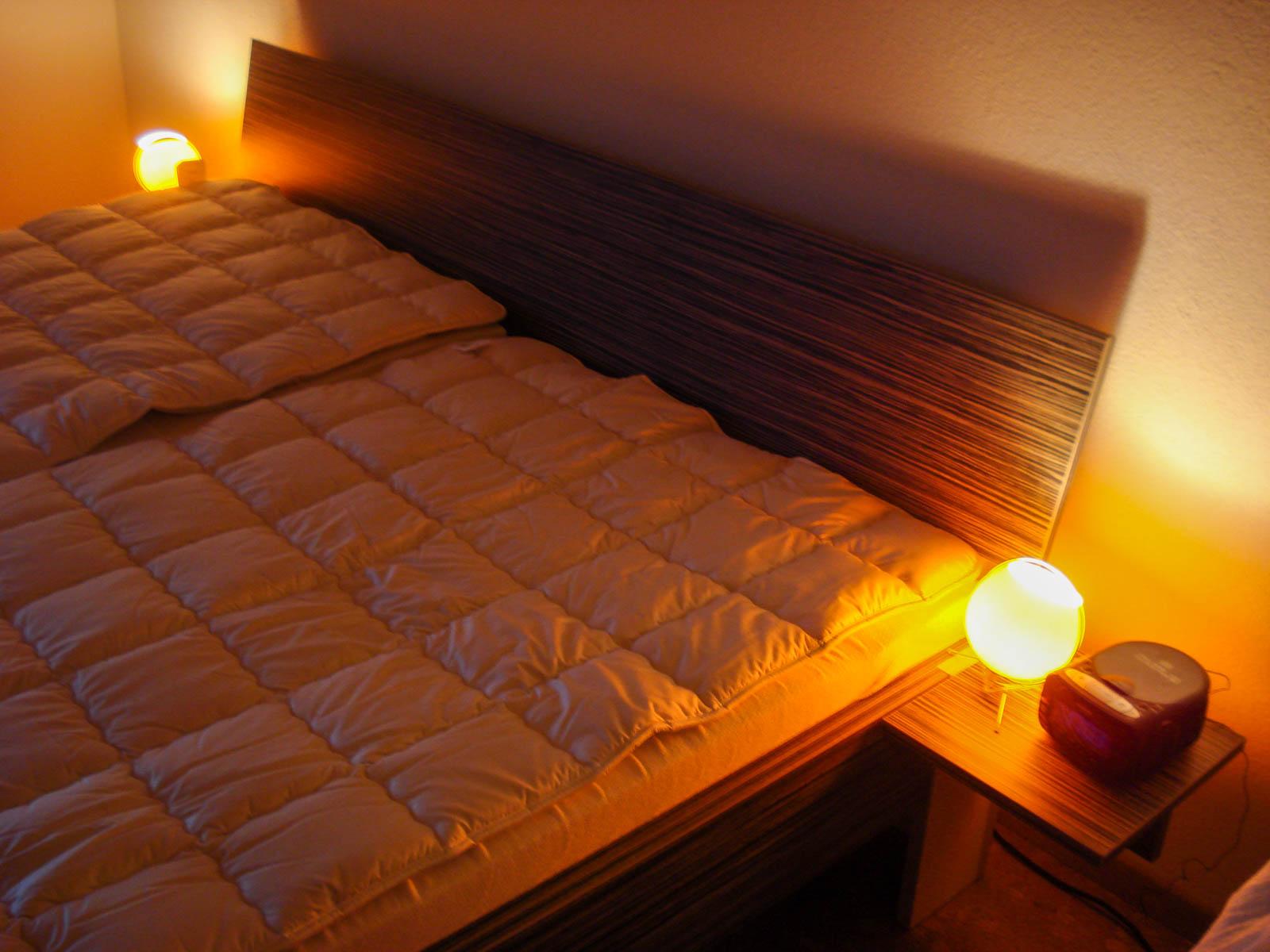 Wooddesign_Bett_Trinatura_Testbett_dunkel_Doppelbett (1)