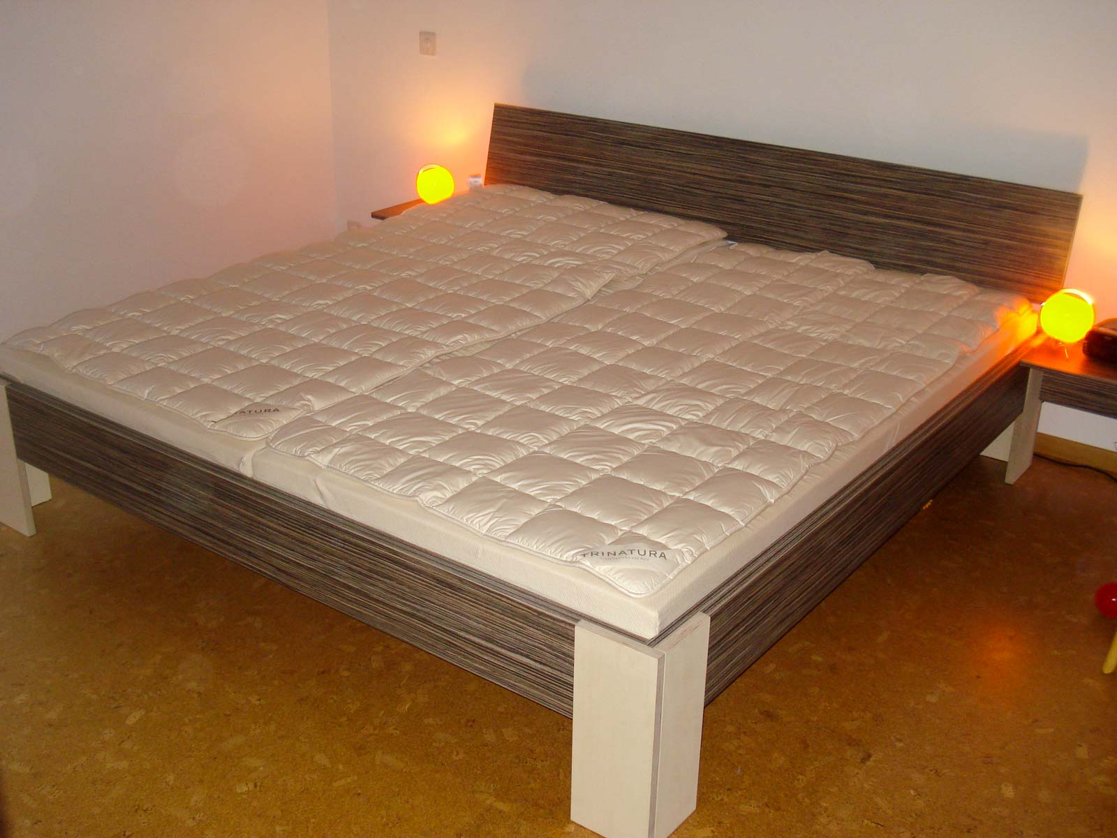 Wooddesign_Bett_Trinatura_Testbett_dunkel_Doppelbett (2)