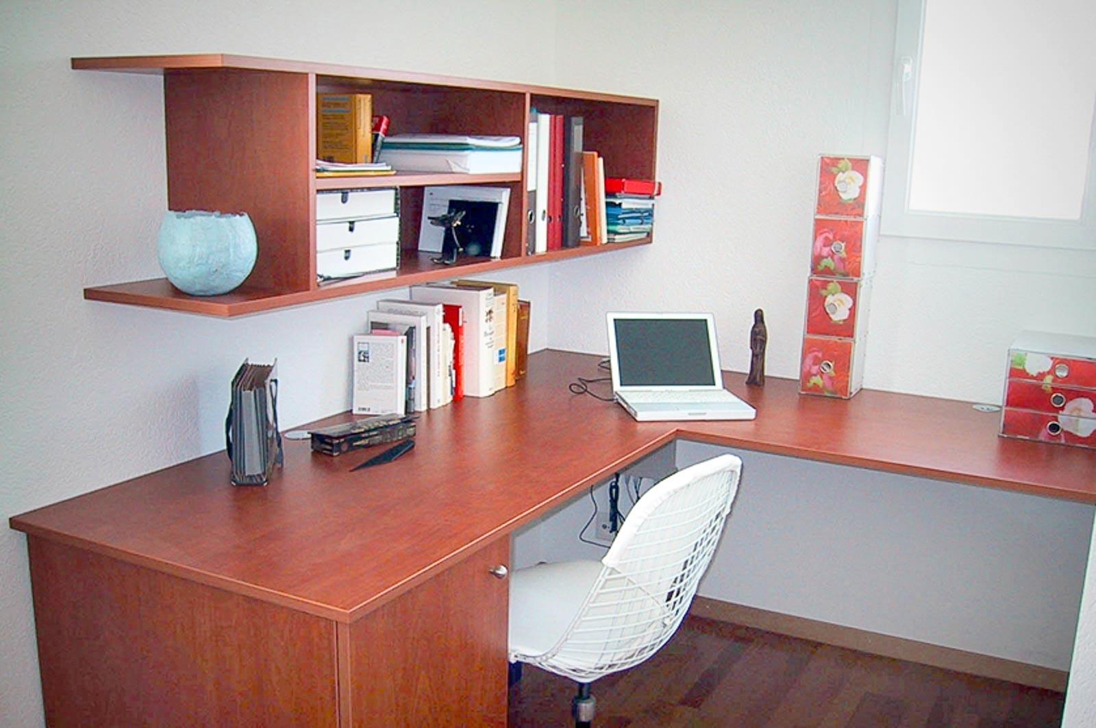 Wooddesign_Büro_Homeoffice_Schreibtisch_Regal_Holz