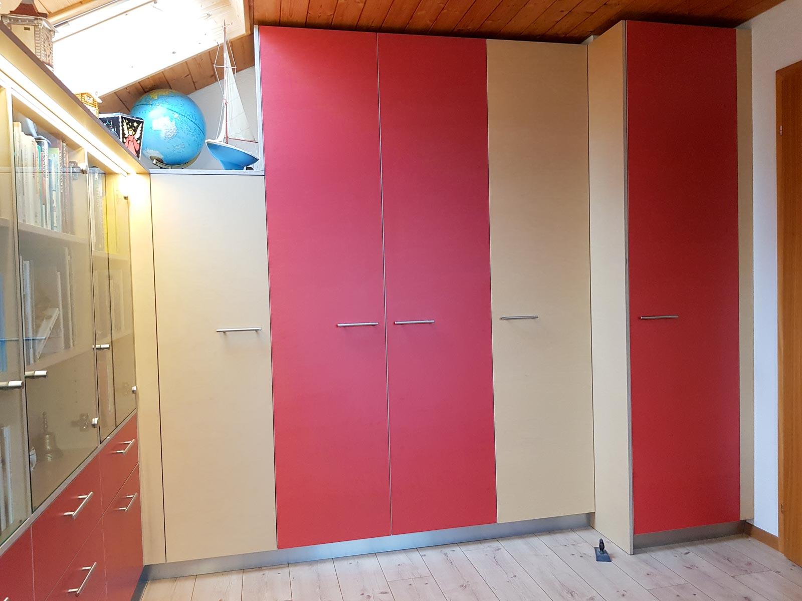 Wooddesign_Büro_Homeoffice_Schreibtisch_Vitrine_Regal_Schubladen_Wandschrank_Lesezimmer-Arbeitszimmer (4)