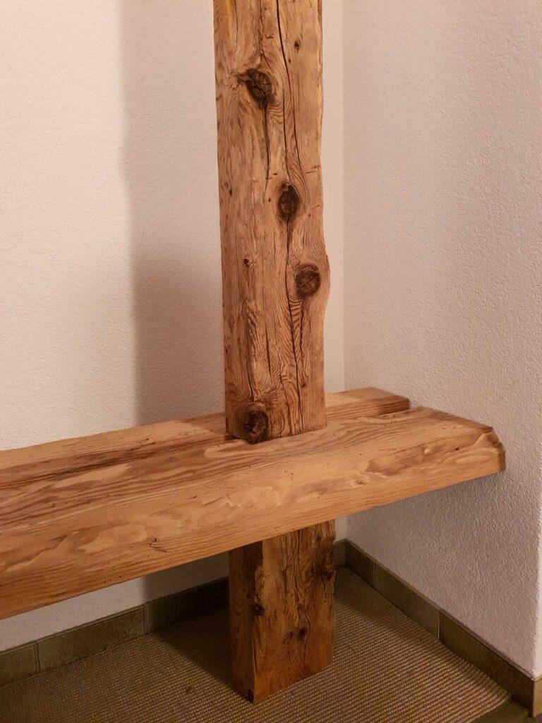 Wooddesign_Garderobe_Gästegarderobe_rustikal_Altholz_Sitzbank_Edelstahl (2)