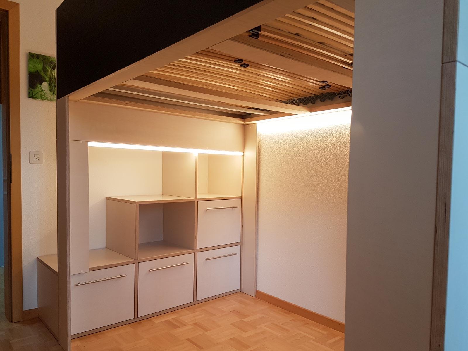 Wooddesign_Jugendzimmer_Jugendbett__Schreibtisch-Verstauraum_ Schubladen_Pinwand_Treppenmöbel_LED-Beleuchtung_Hochbett (6)