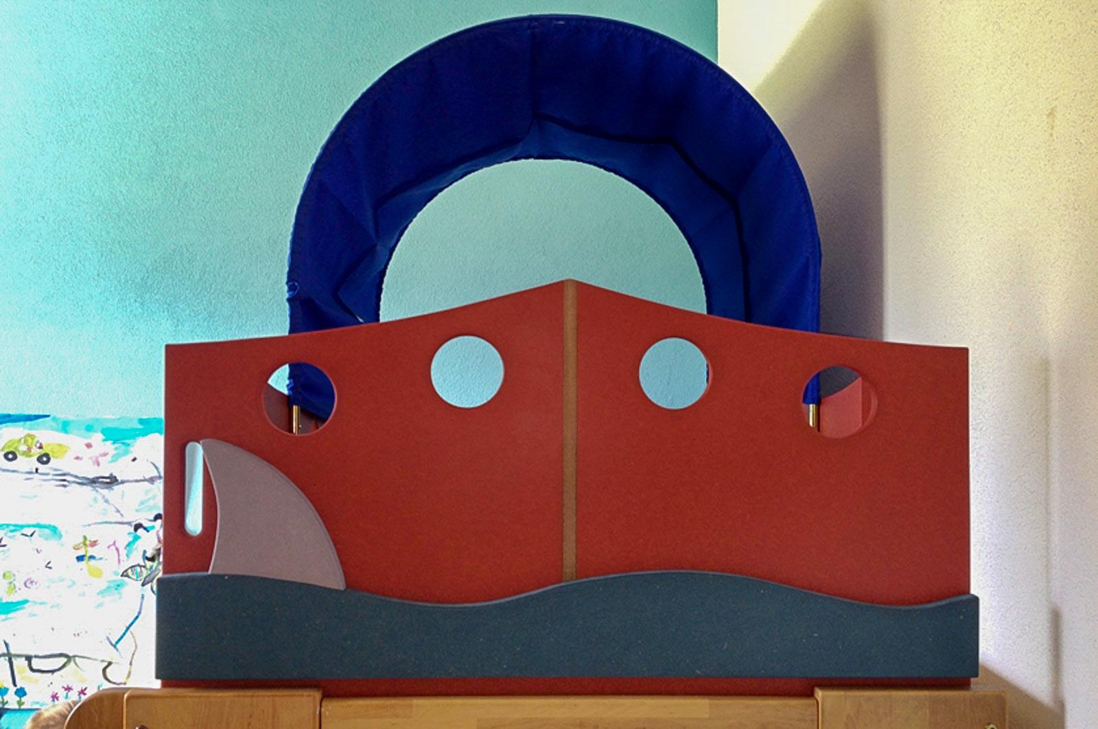 Wooddesign_Kinderzimmer_Kinderbett_Spielzimmer_Schreibtisch-Verstauraum_ Schubladen_Pinwand_Bücherregal (30)