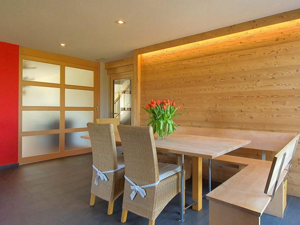 Wooddesign_Raumtrenner_Schiebetüren mit Glasfüllungen_Ahorn_Akustik (2)
