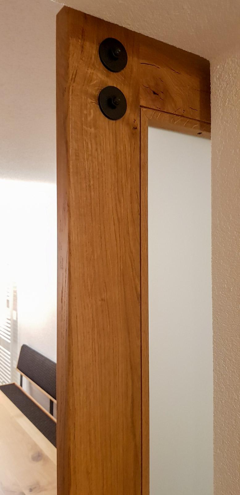 Wooddesign_Raumtrenner_Schiebetüren_.rustikal_Schiebetürbeschlag_schwarz_Schwarzstahl_Muschelgriffe (9)