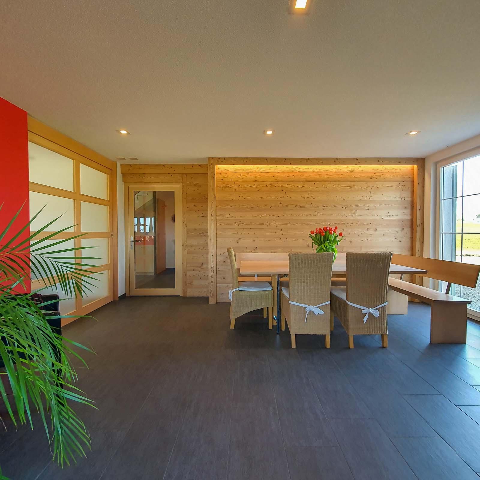 Wooddesign_Raumtrenner_Türen_Schiebetüren_Akustikverkleidungen_Altholz_Wandverkleidung_Glasfüllung_LED Beleuchtung (1)
