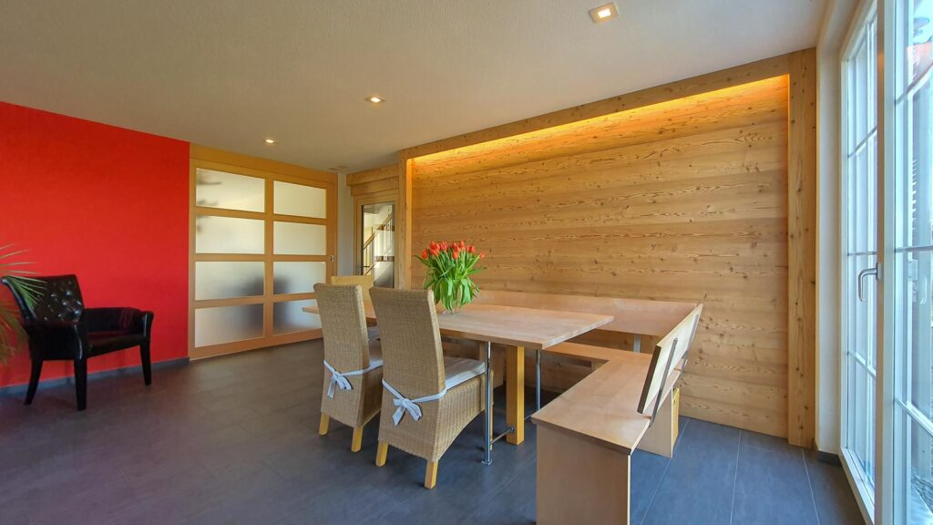 Wooddesign_Raumtrenner_Türen_Schiebetüren_Akustikverkleidungen_Altholz_Wandverkleidung_Glasfüllung_LED Beleuchtung (2)