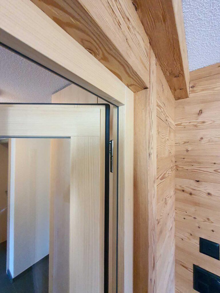 Wooddesign_Raumtrenner_Türen_Schiebetüren_Akustikverkleidungen_Altholz_Wandverkleidung_Glasfüllung_LED Beleuchtung (7)