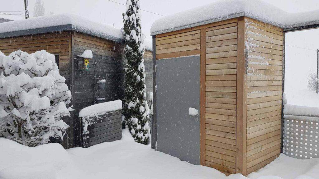 Wooddesign_Terrassengestaltung_Eingangsbereich_Pergola_Reduit_Naturholz_Lärchenholz vergraut (4)