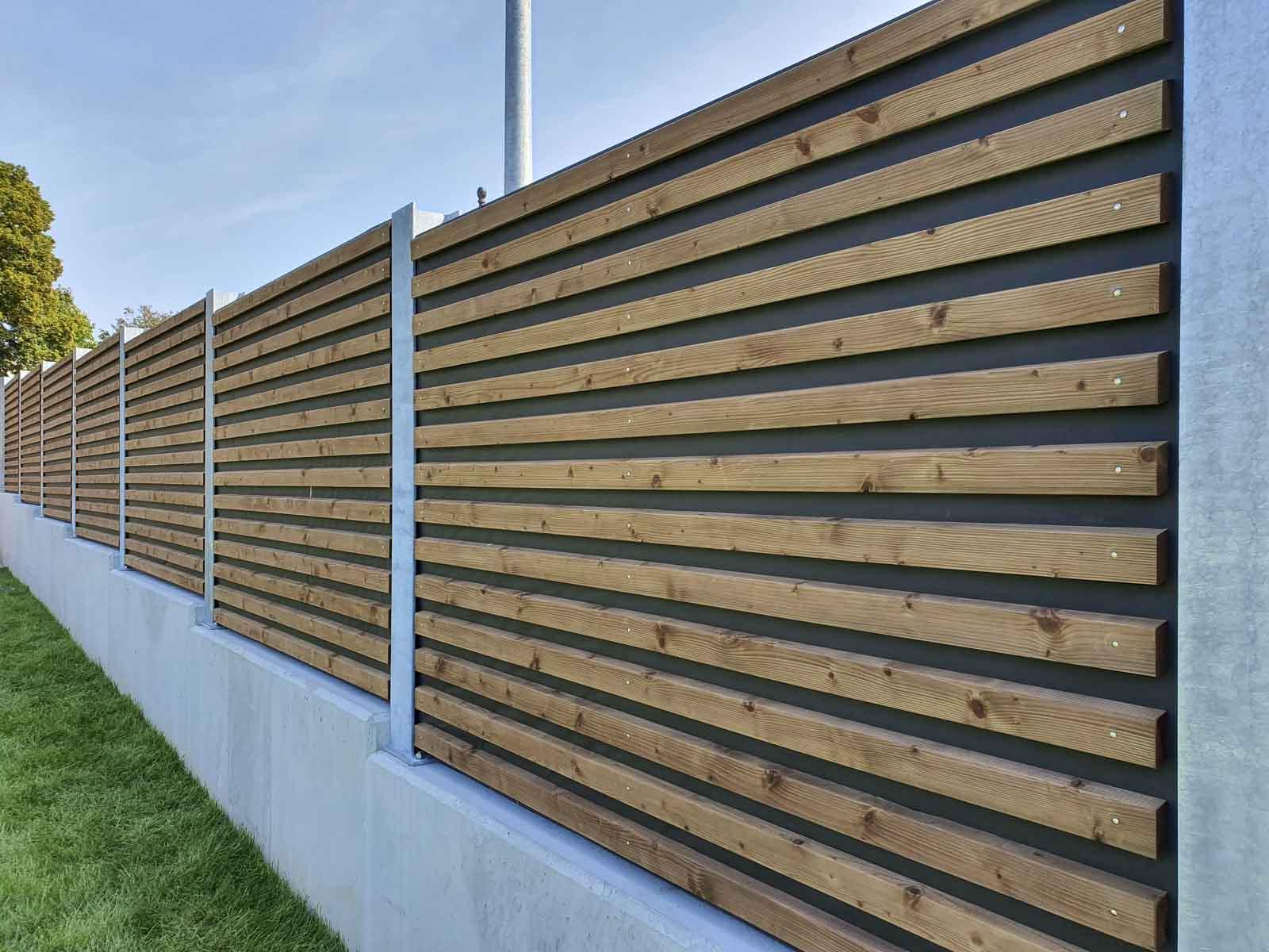 Wooddesign_Terrassengestaltung_Sichtschutz_Schallschutz_Schallschutzwand_druckimprägniert braun (1)