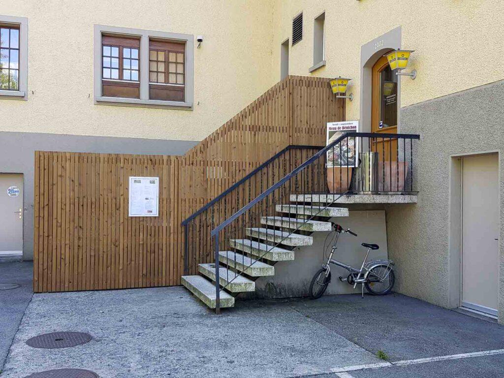 Wooddesign_Terrassengestaltung_Sichtschutz_druckimprägniert braun_Holzverkleidung (1)
