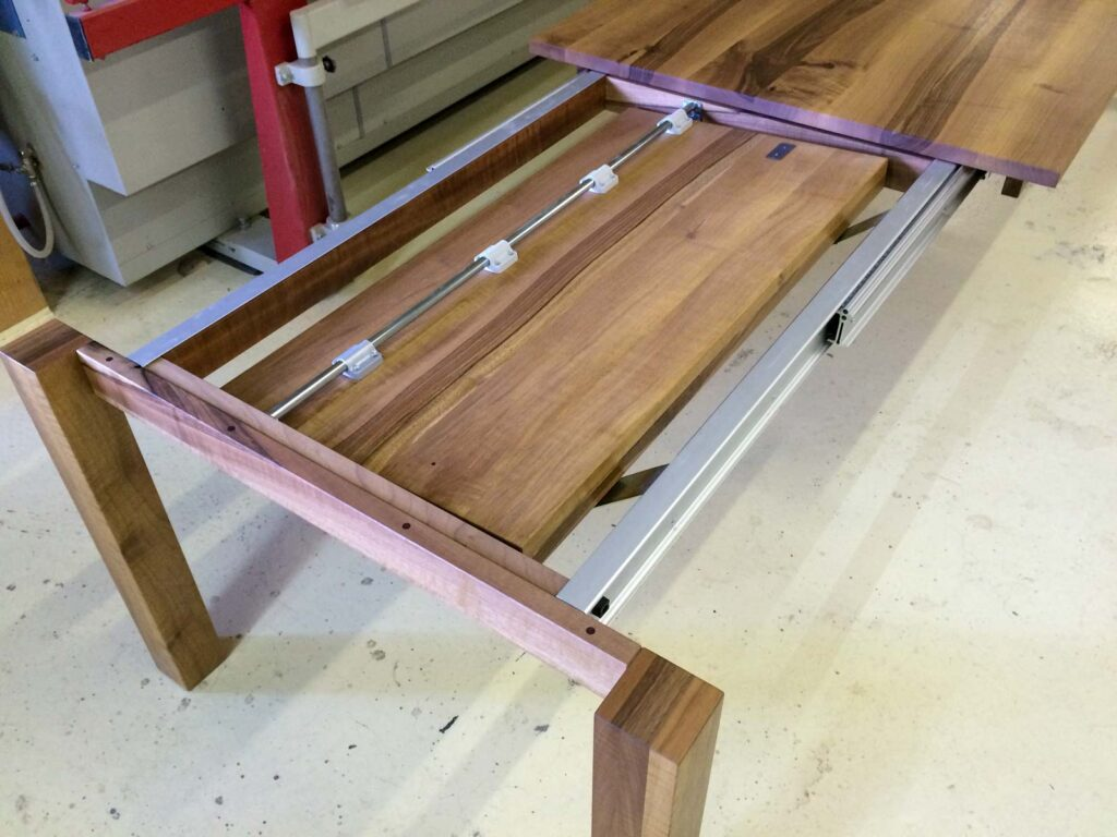 Wooddesign_Tisch ausziehbar_ Ausziehtisch_Tischverlängerung_Nussbaum massiv1 (3)