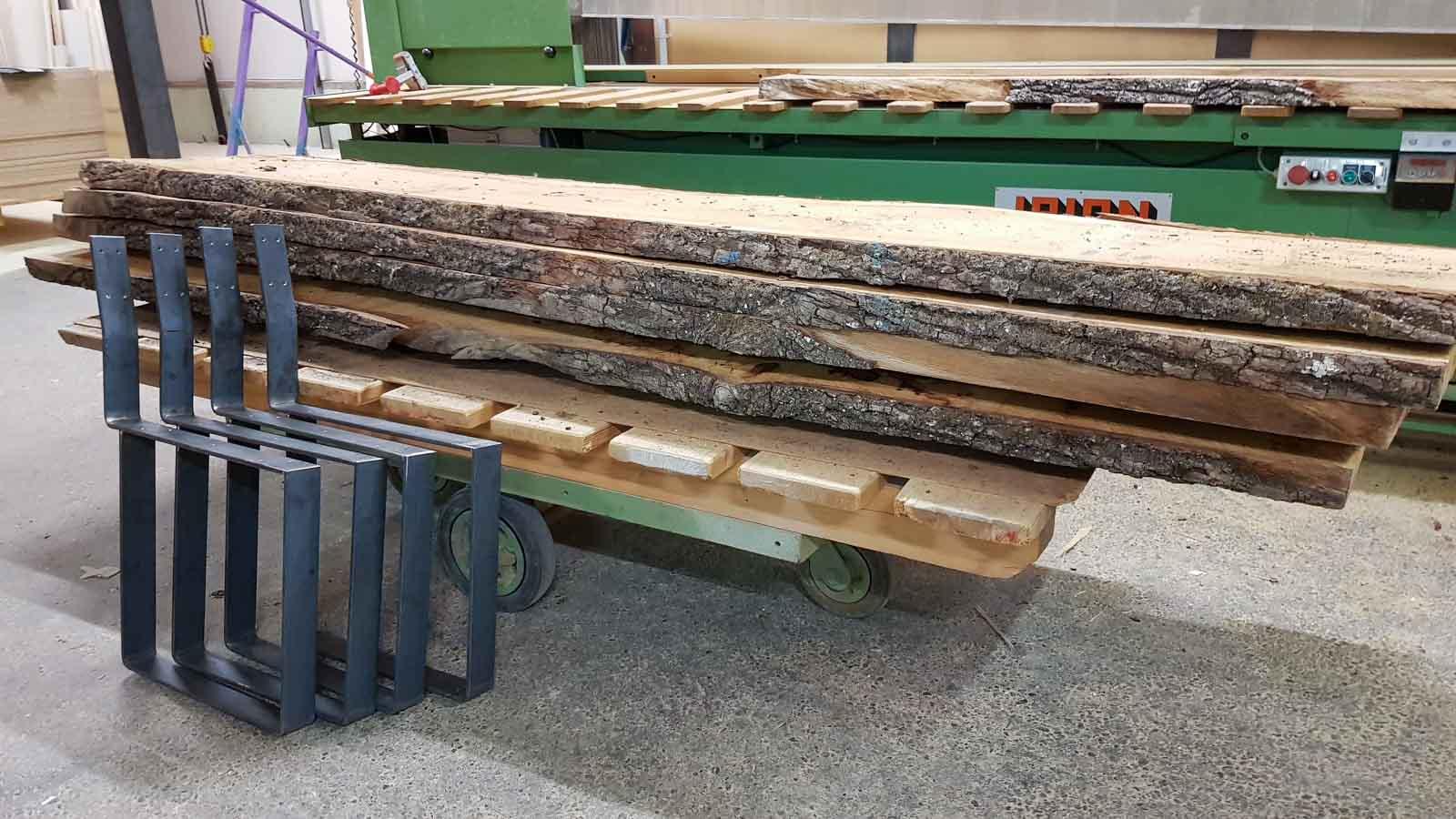 Wooddesign_Tisch_ Herstellung_Schwarzstahl_Tischgestell_Schreinerei Möbelwerkstatt (2)