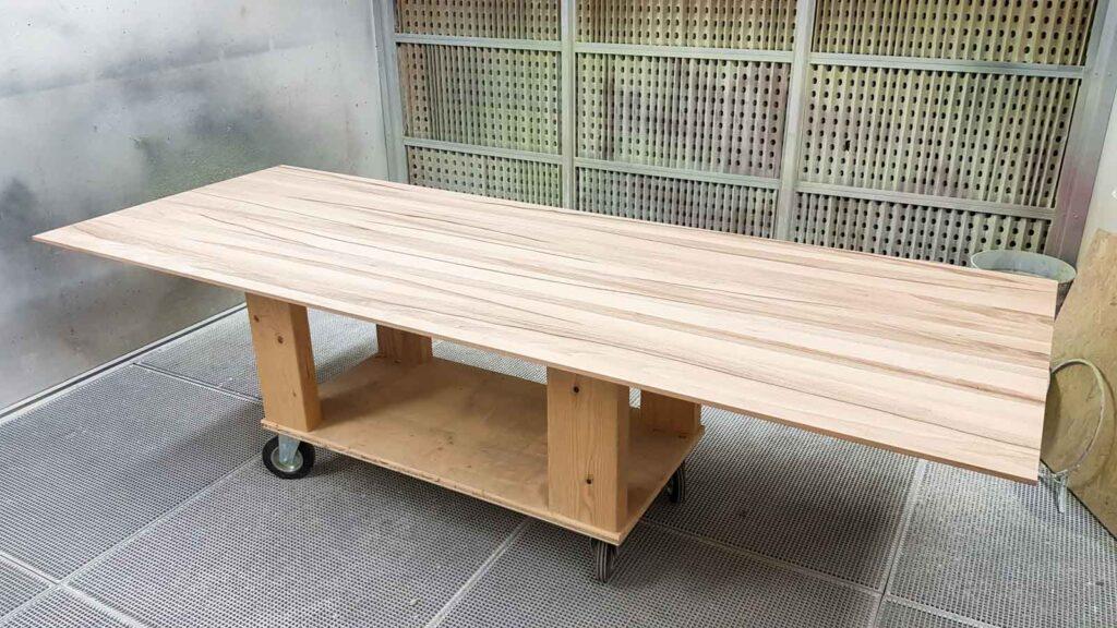 Wooddesign_Tisch_ Herstellung_Schwarzstahl_Tischgestell_Schreinerei Möbelwerkstatt (6)