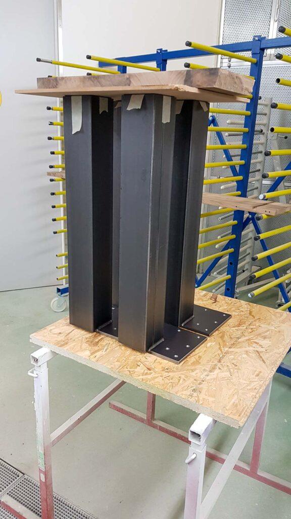 Wooddesign_Tisch_ Herstellung_Schwarzstahl_Tischgestell_Schreinerei Möbelwerkstatt (7)