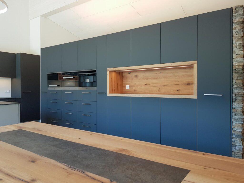 Wooddesign_Tisch_Keramikeinlage_Tischbeine aussen_Schwarzstahl (2)