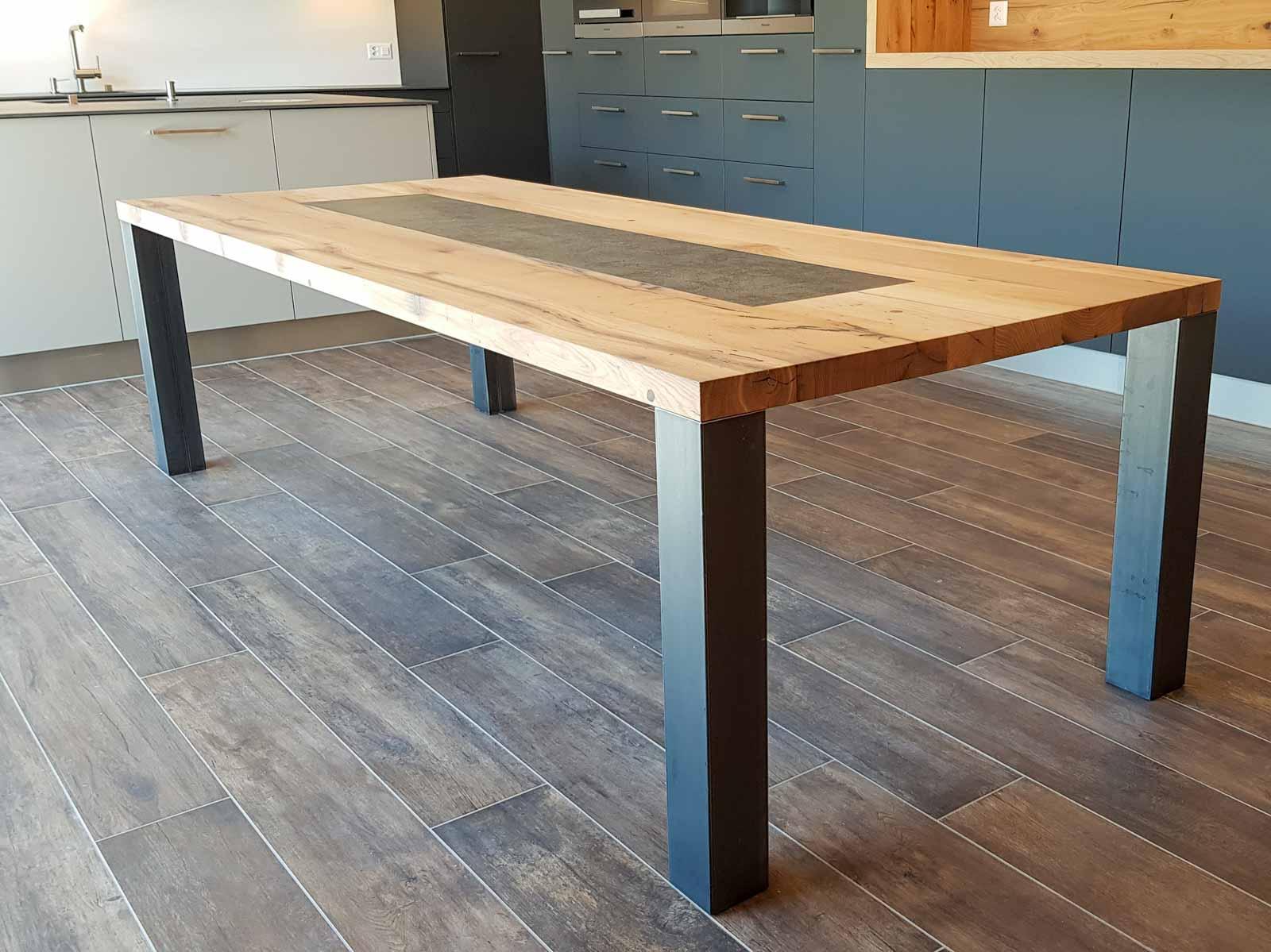 Wooddesign_Tisch_Keramikeinlage_Tischbeine aussen_Schwarzstahl (5)