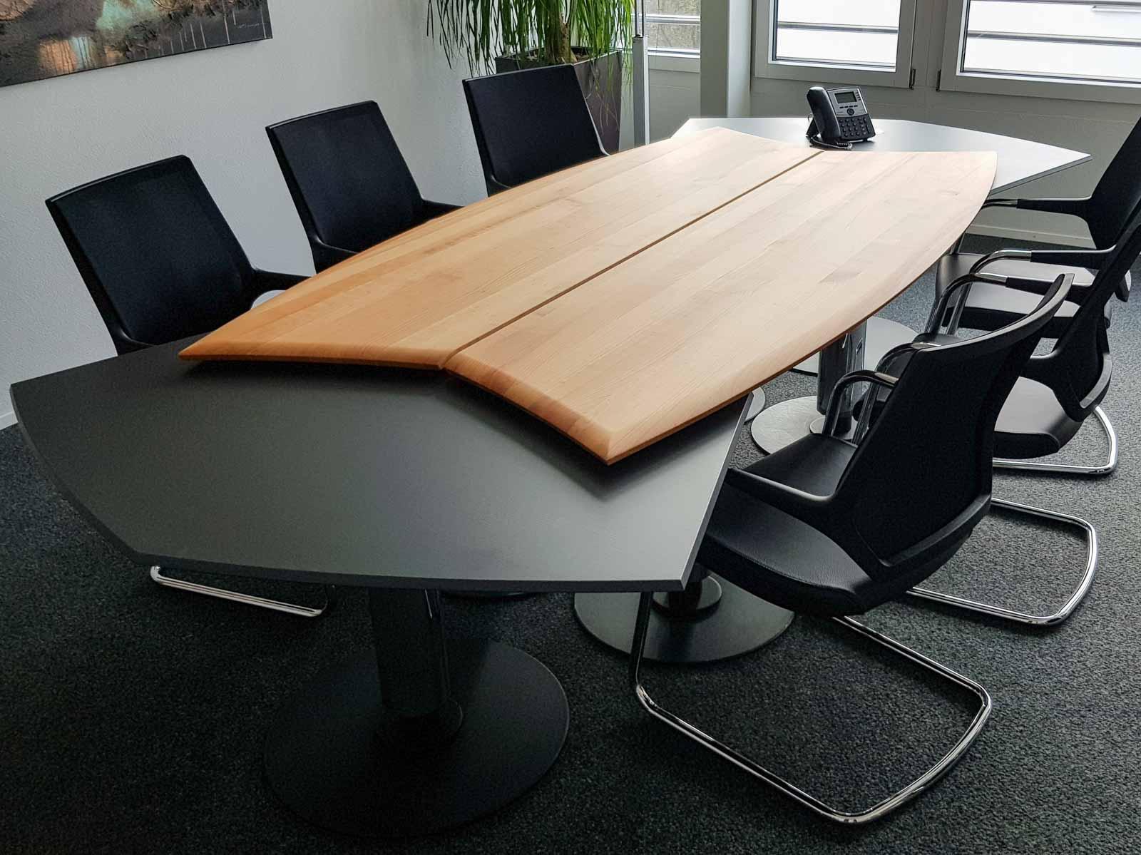 Wooddesign_Tisch_rund_Kirschbaum massiv_Tischverlängerung anthrazit_Sitzungstisch (1)