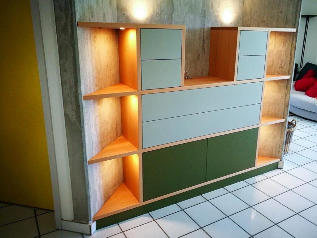 Wooddesign_Wohnzimmermöbe_Stereomöbel_LED-Beleuchtung_Schubladen_Push (1)