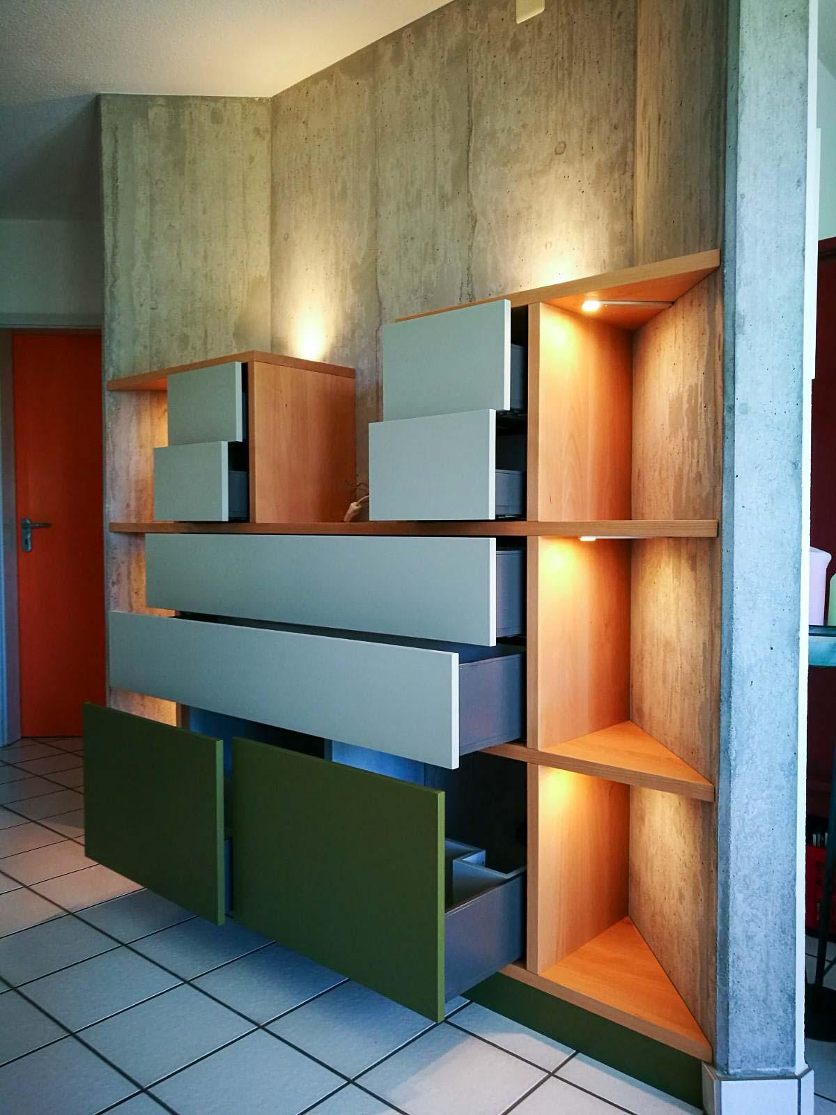 Wooddesign_Wohnzimmermöbe_Stereomöbel_LED-Beleuchtung_Schubladen_Push (3)