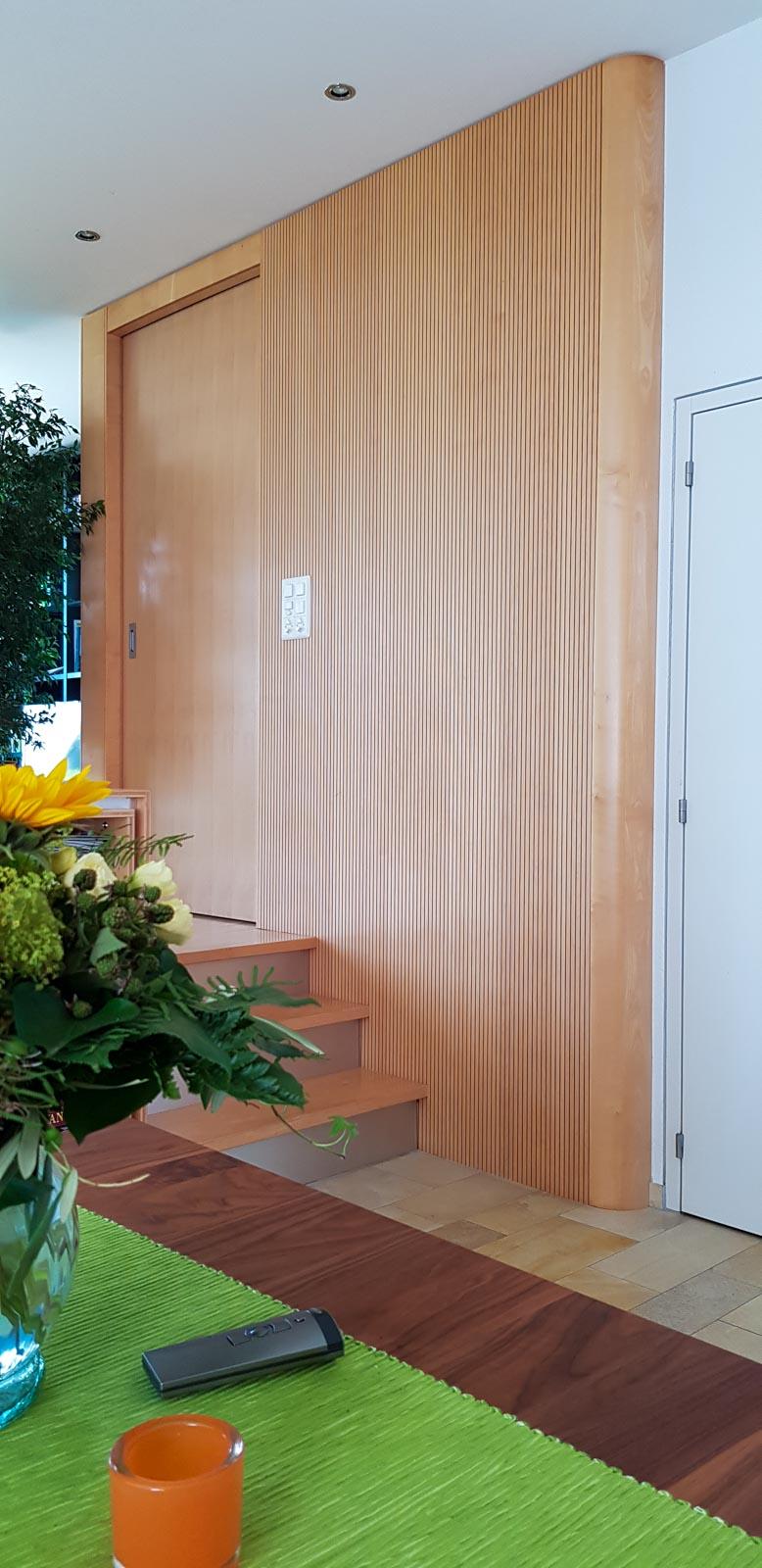 Wooddesign_Wohnzimmermöbel_Ahorn_ hell_Schallabsorption_Schalldämmung_Schiebetüre (2)