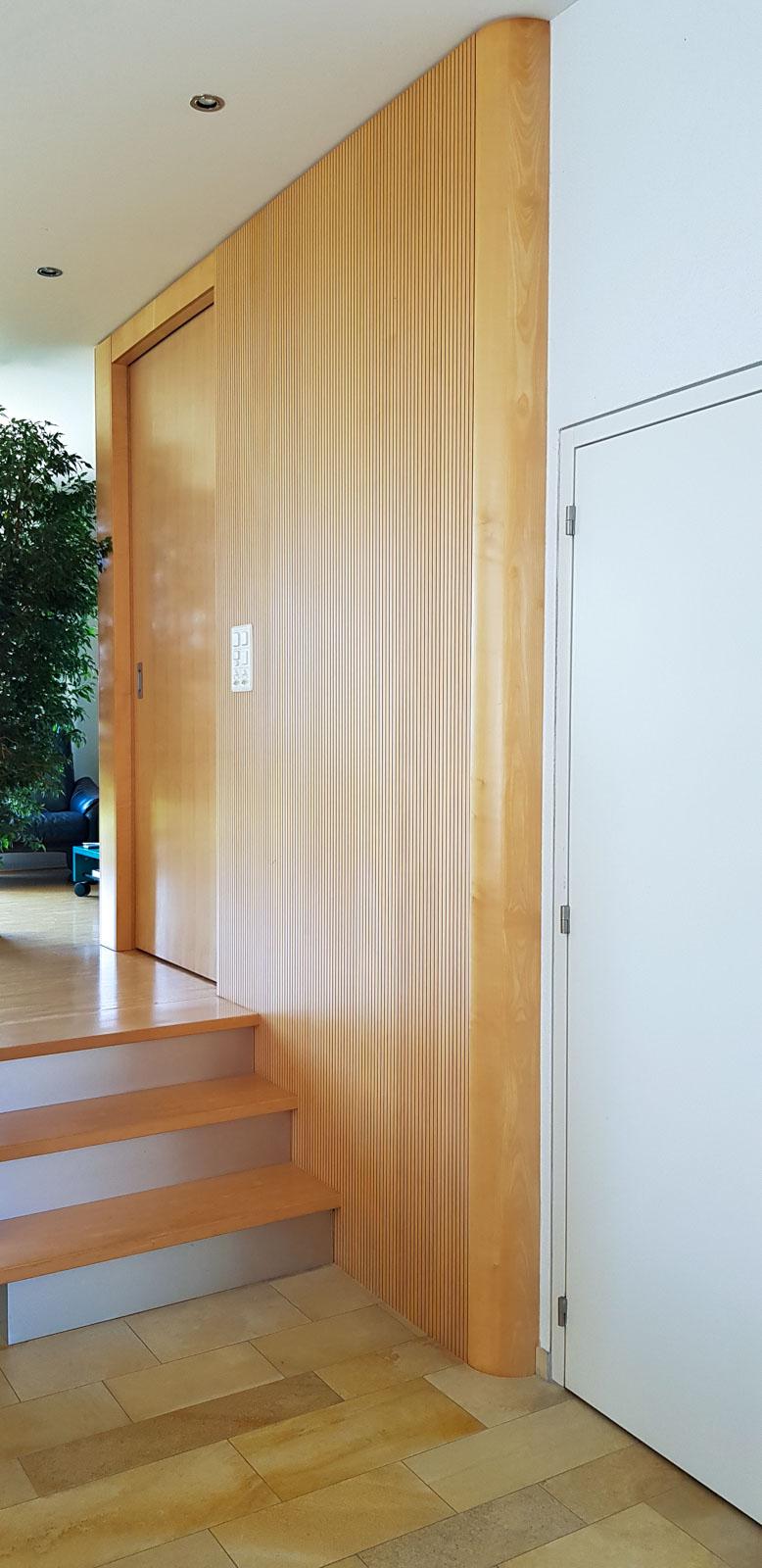 Wooddesign_Wohnzimmermöbel_Ahorn_ hell_Schallabsorption_Schalldämmung_Schiebetüre (3)