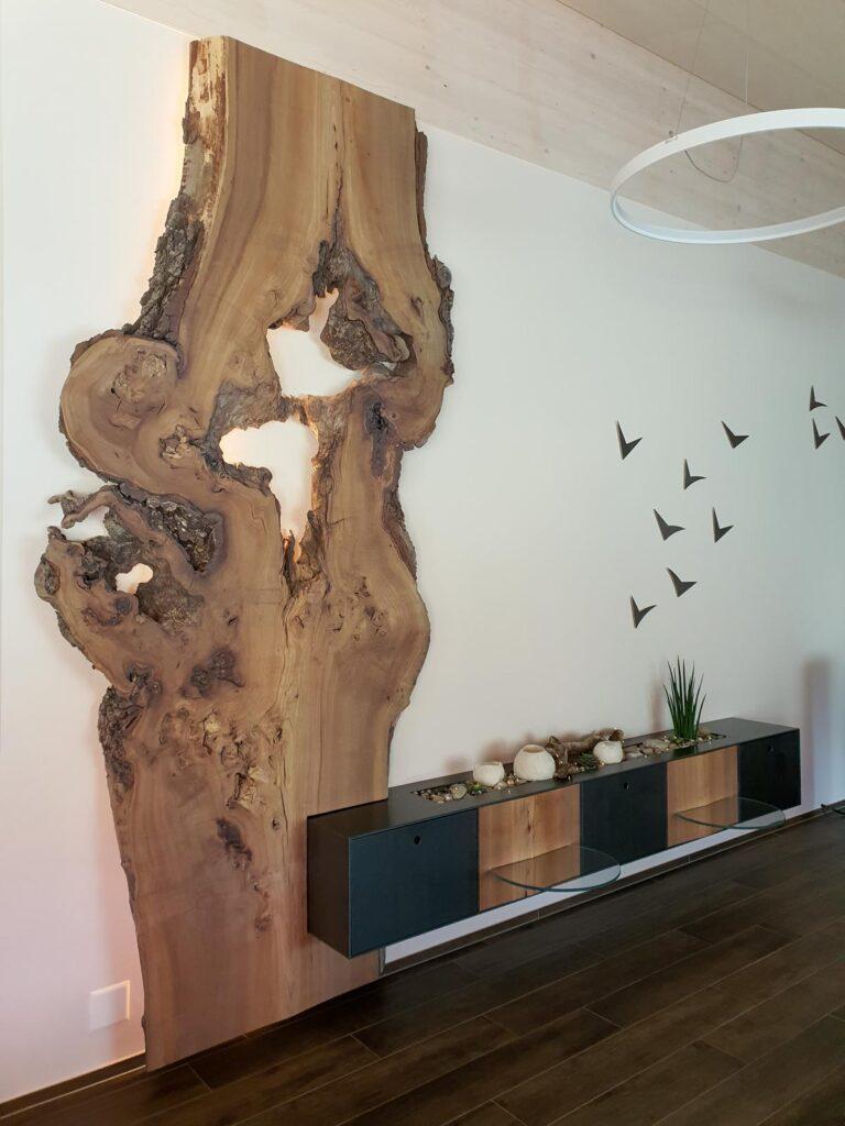 Wooddesign_Wohnzimmermöbel_Design_Holzbild_Ulme_Schwarzstahl_Raumhoch_Pflanzentopf (8)