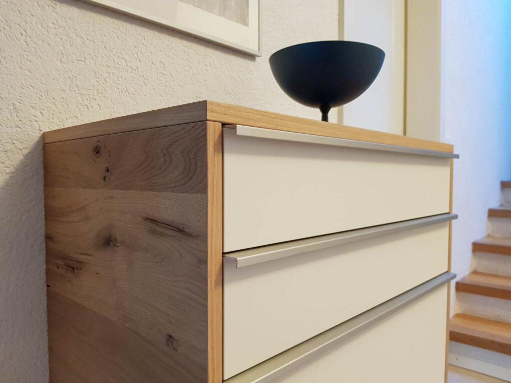 Wooddesign_Wohnzimmermöbel_Fernsehmöbel_ LED-Beleuchtung_Griffleisten_Eiche_Weissjpg (3)