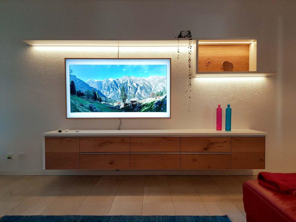 Wooddesign_Wohnzimmermöbel_Fernsehmöbel_ LED-Beleuchtung_Griffleisten_Eiche_Weissjpg (5)