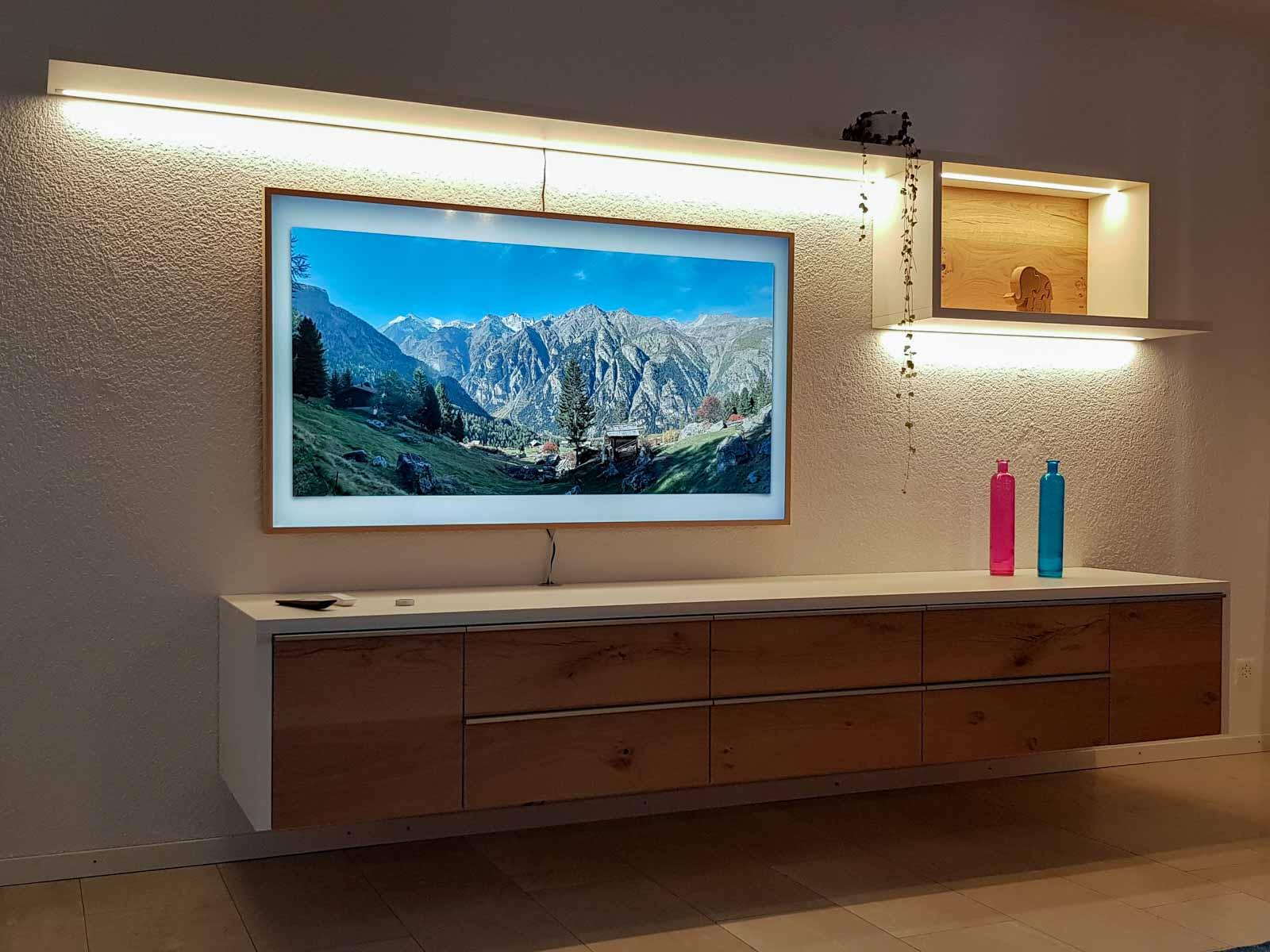 Wooddesign_Wohnzimmermöbel_Fernsehmöbel_ LED-Beleuchtung_Griffleisten_Eiche_Weissjpg (6)