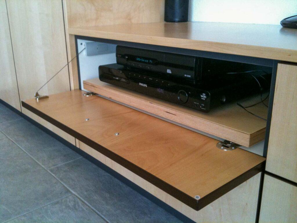 Wooddesign_Wohnzimmermöbel_Fernsehmöbel_Bar_DVD_Stereo (2)
