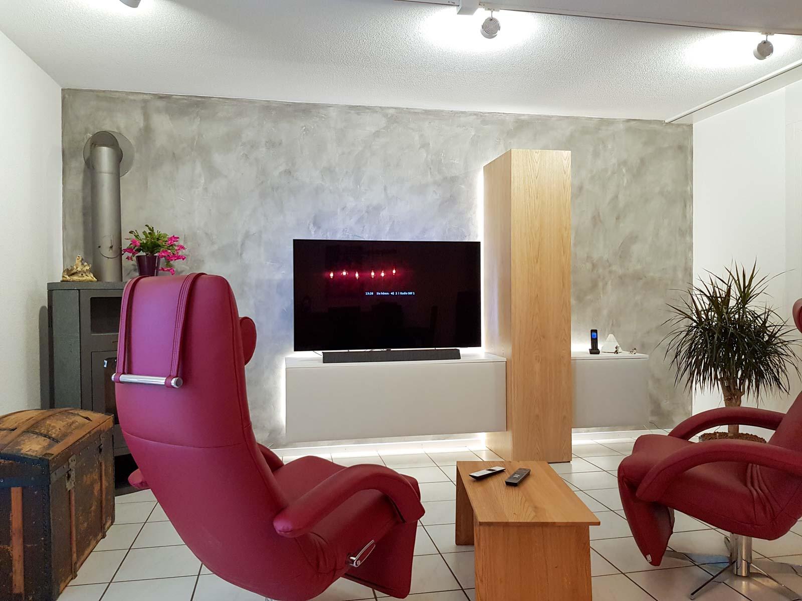Wooddesign_Wohnzimmermöbel_Fernsehmöbel_Eiche_Fronten weiss_indirekte Beleuchtung_LED Beleichtung (1)
