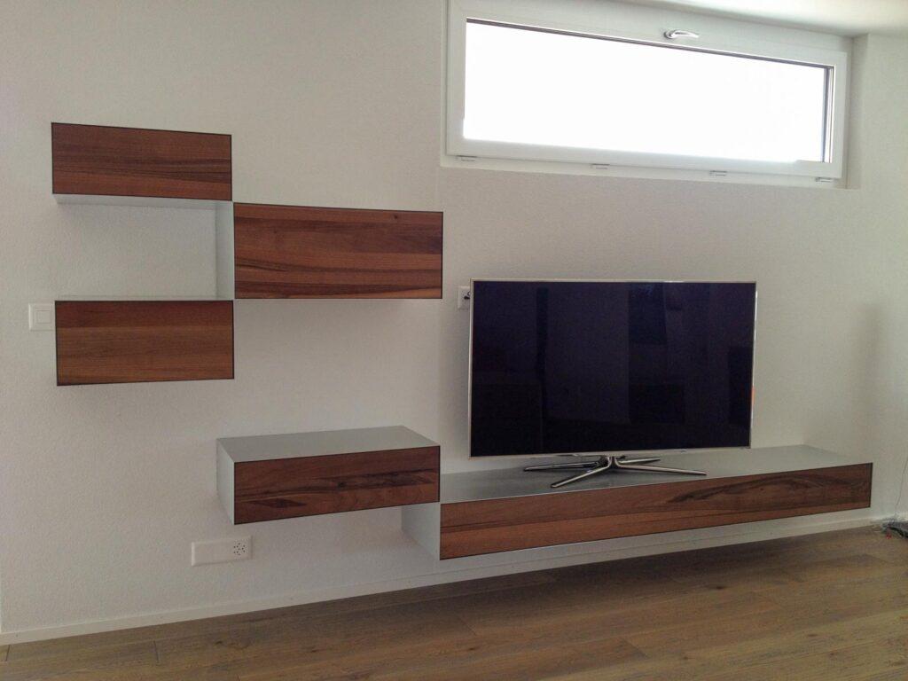 Wooddesign_Wohnzimmermöbel_Sideboard_Nussbaum_Aluminium eloxiert_Fernsehmöbel (1)