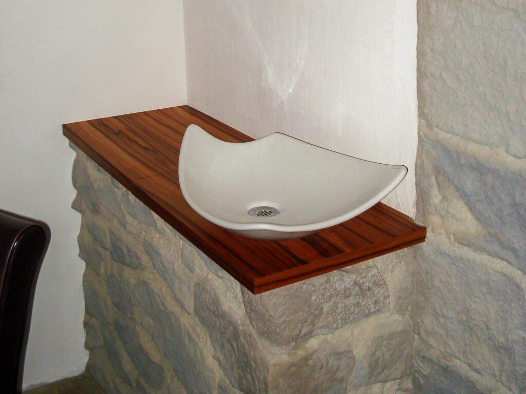 Wooddesign_Wohnzimmermöbel_Weinkeller_Weindegustation_Degustation_Schiebetüre (1)