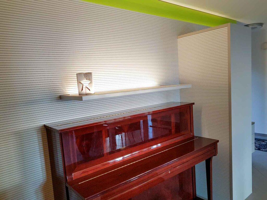 Wooddesign_Wohnzimmermöbel_grün weiss_Schallabsorption_Schalldämmung_Garderobe (5)