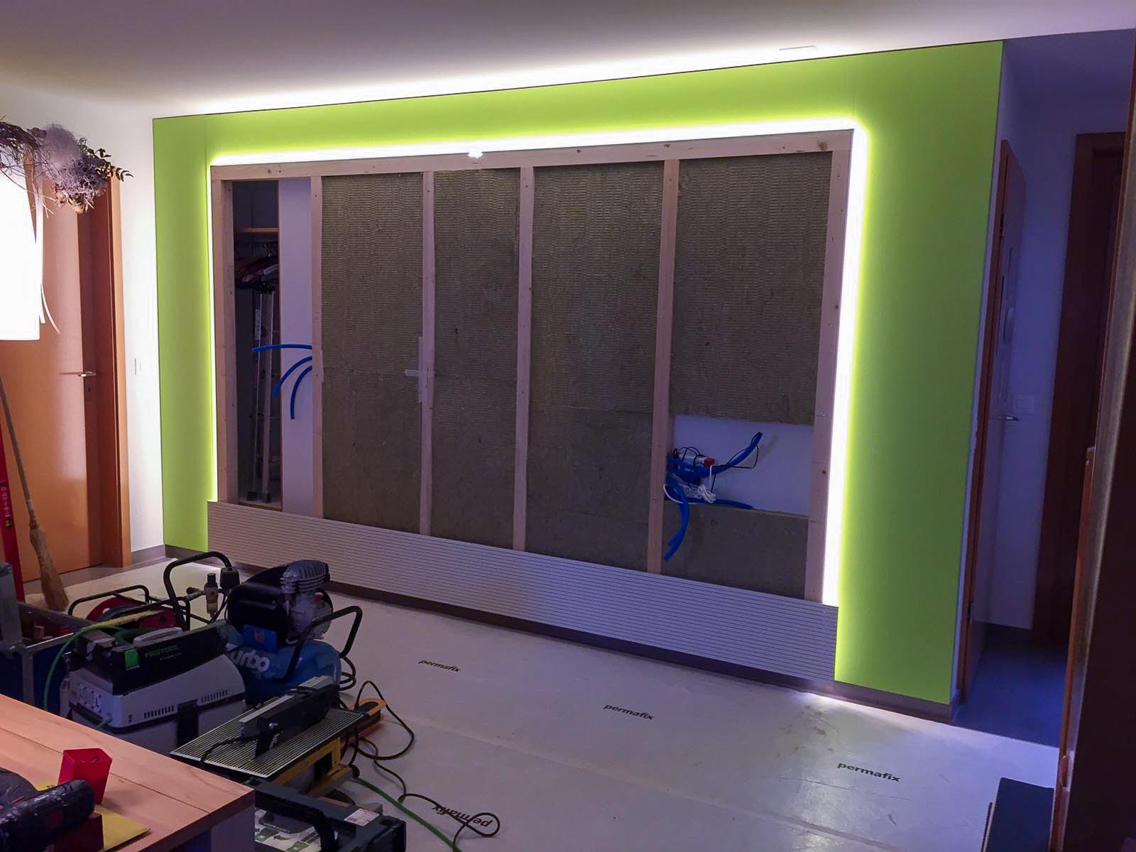 Wooddesign_Wohnzimmermöbel_grün weiss_Schallabsorption_Schalldämmung_Garderobe (6)
