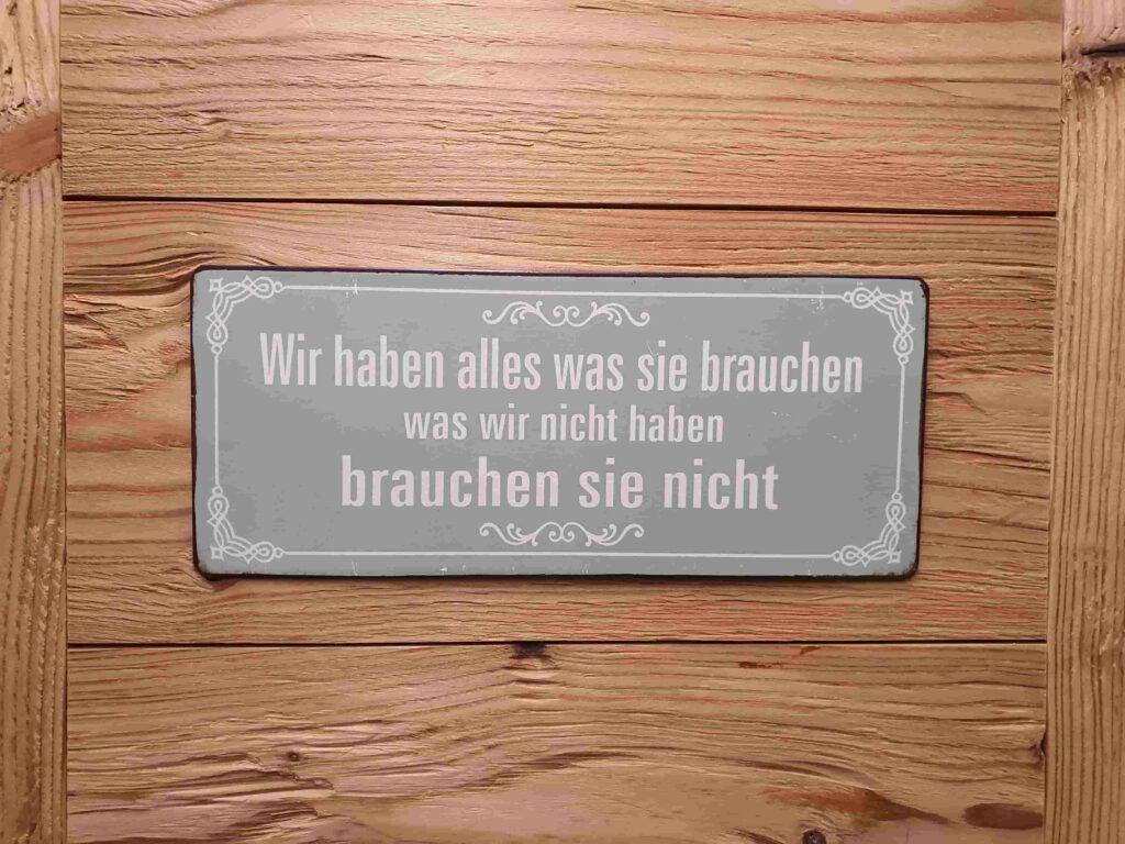 Ausstellung_ Wooddesign_Küchen_Möbel_ Schreinerei_Möbelwerkstatt_Tischlerei_Möbelschreinerei01 (10)