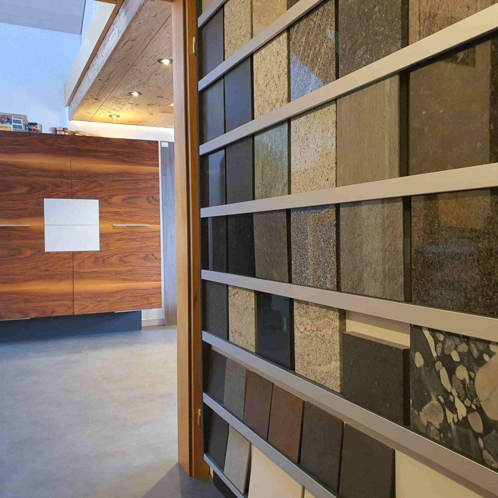Ausstellung_ Wooddesign_Küchen_Möbel_ Schreinerei_Möbelwerkstatt_Tischlerei_Möbelschreinerei01 (17)