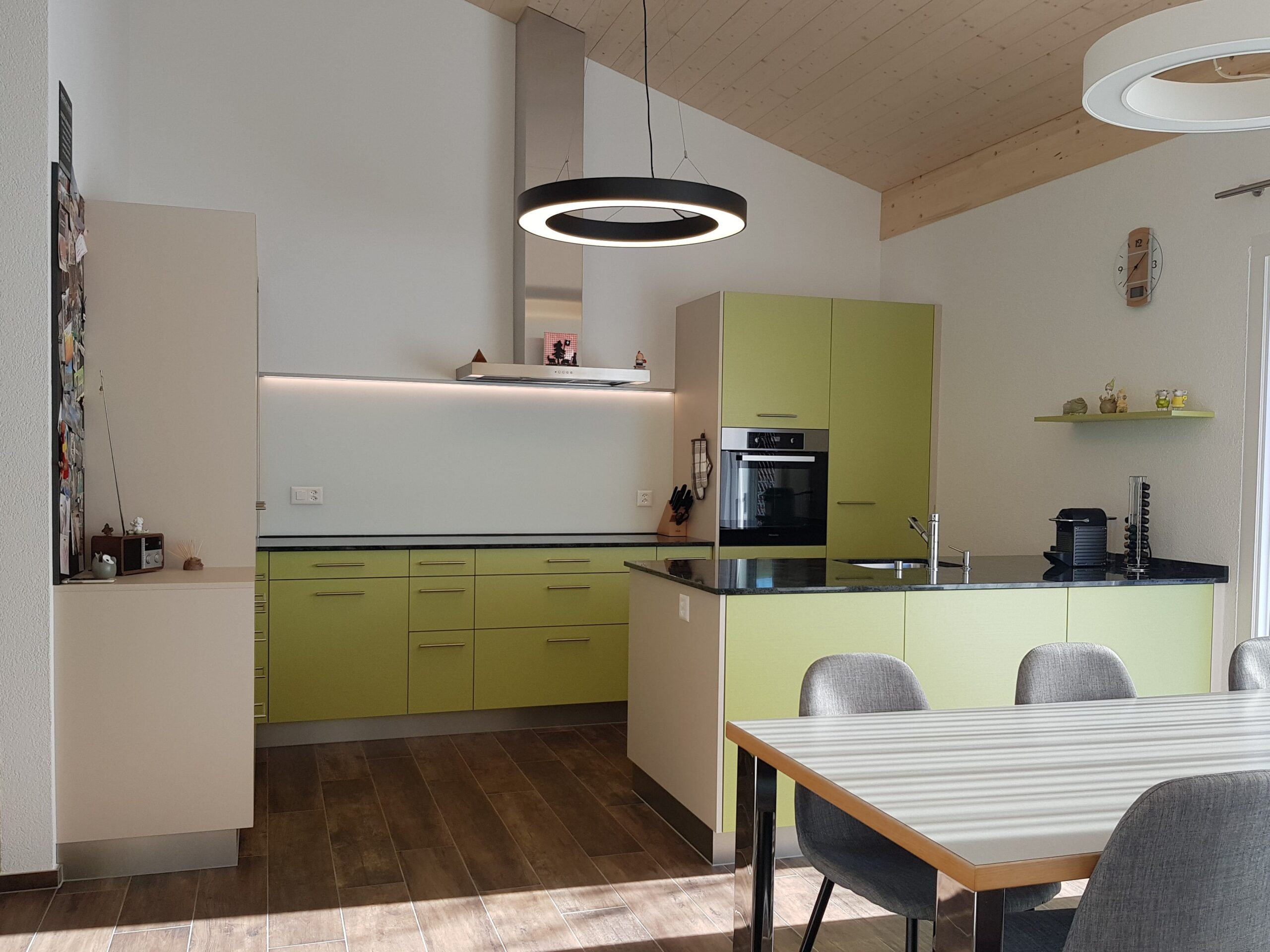 Wooddesign_Holzleuchten_LED-Beleuchtung_Licht_Indirekte Beleuchtung_Direkte Beleuchtung_Holzdesign (28)-min