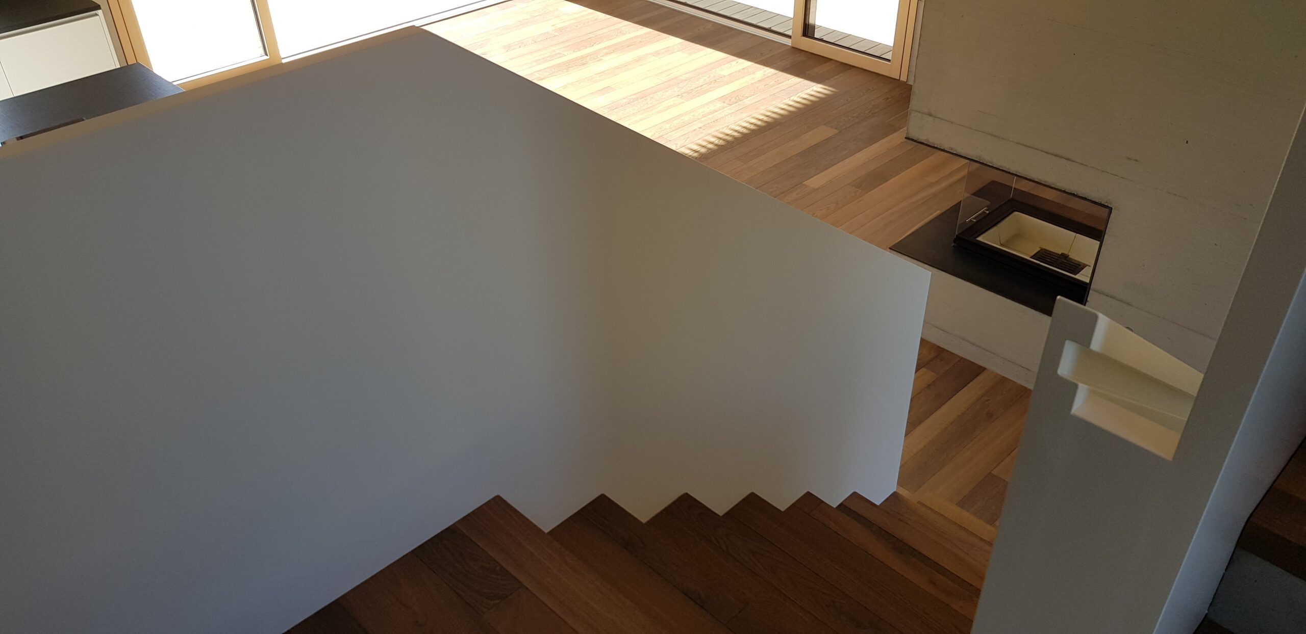Wooddesign_Treppen_Teppengeländer weiss_Holztreppen_Treppenverkleidung_modern Eiche (3)-min