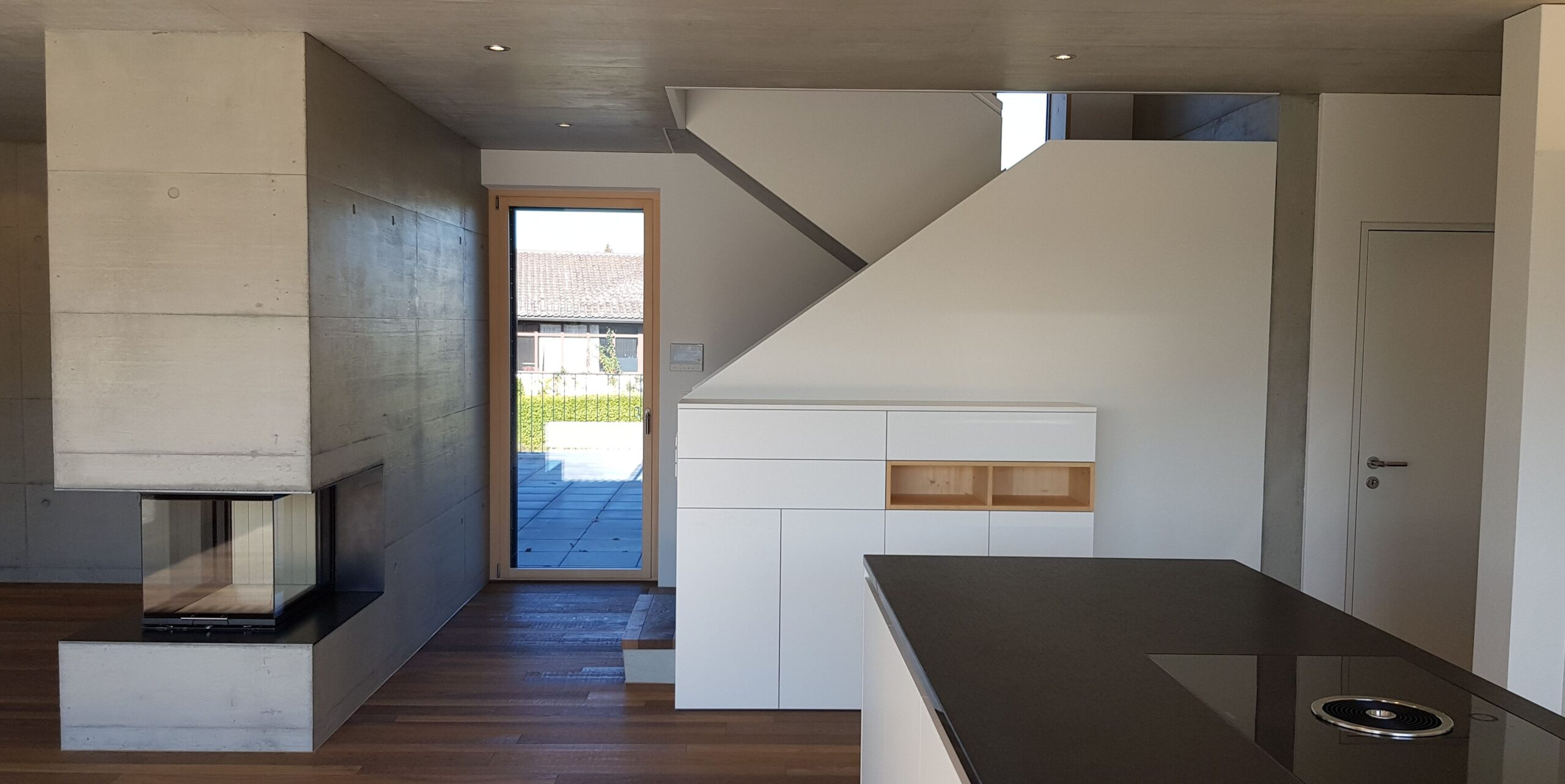 Wooddesign_Treppen_Teppengeländer weiss_Holztreppen_Treppenverkleidung_modern Eiche (4)-min