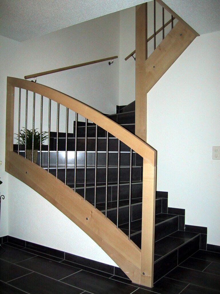 Wooddesign_Treppen_Teppengeländer_Edelstahl_Handlauf_Röhrli aus Edelstahl-min
