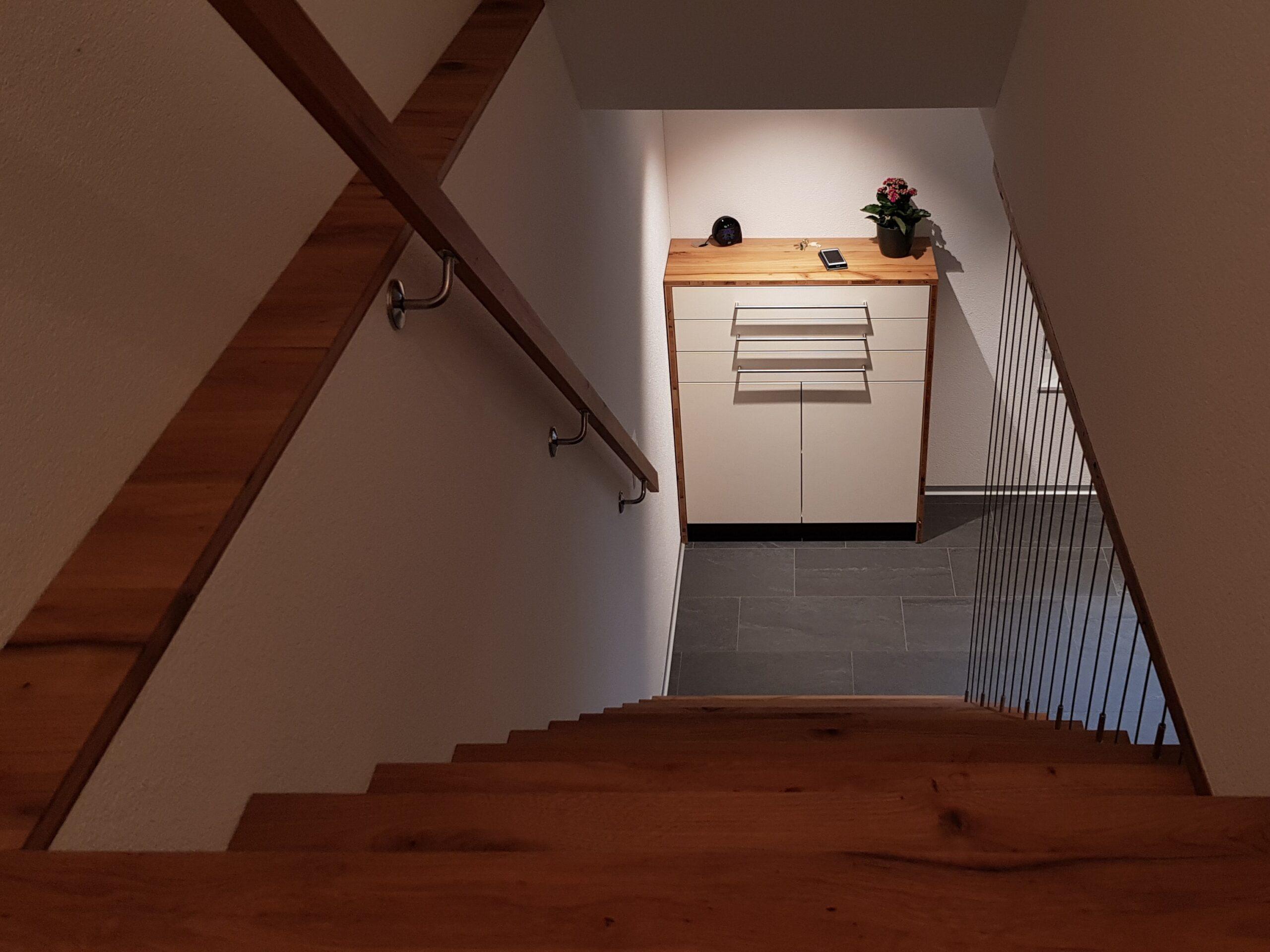 Wooddesign_Treppen_Teppengeländer_Holztreppen_Treppenverkleidung_Treppenmöbel (3)-min