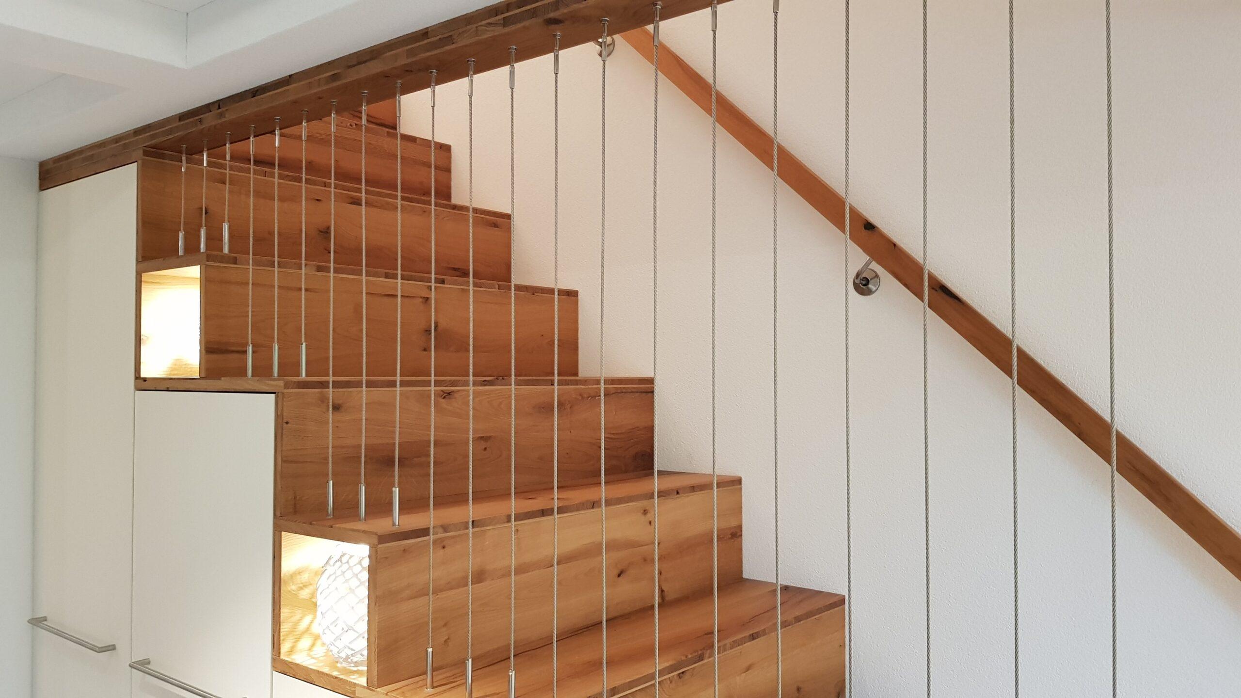 Wooddesign_Treppen_Teppengeländer_Holztreppen_Treppenverkleidung_Treppenmöbel (5)-min