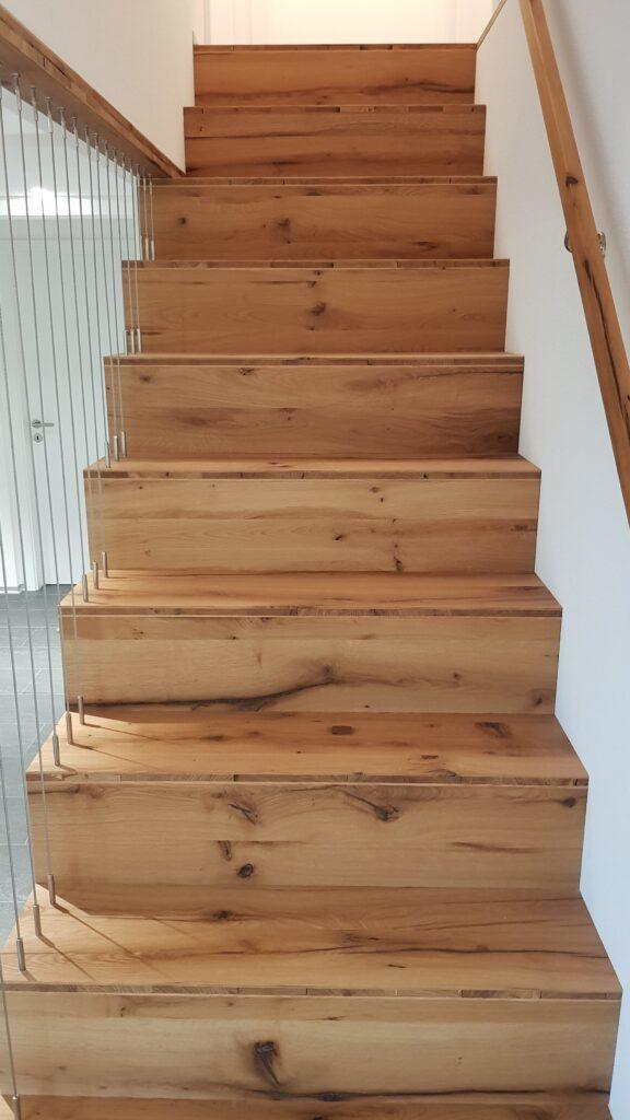 Wooddesign_Treppen_Teppengeländer_Holztreppen_Treppenverkleidung_Treppenmöbel (6)-min