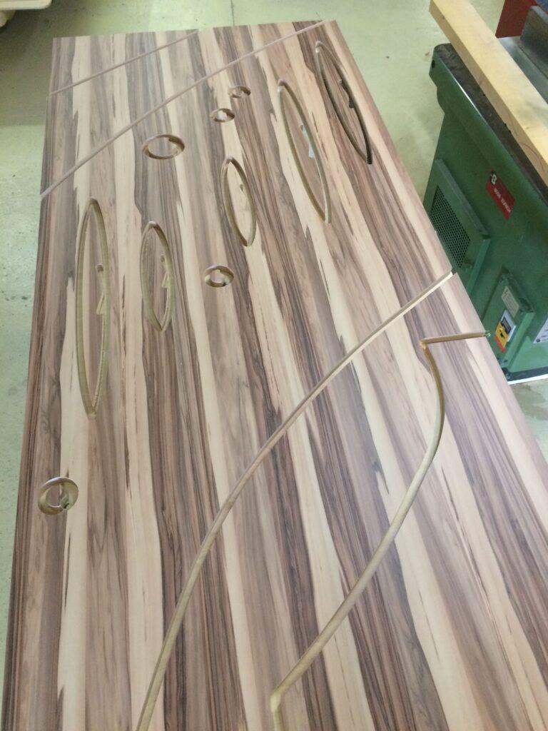Wooddesign_Treppen_Teppengeländer__Treppenverkleidung_ovale runde Löcher (5)-min