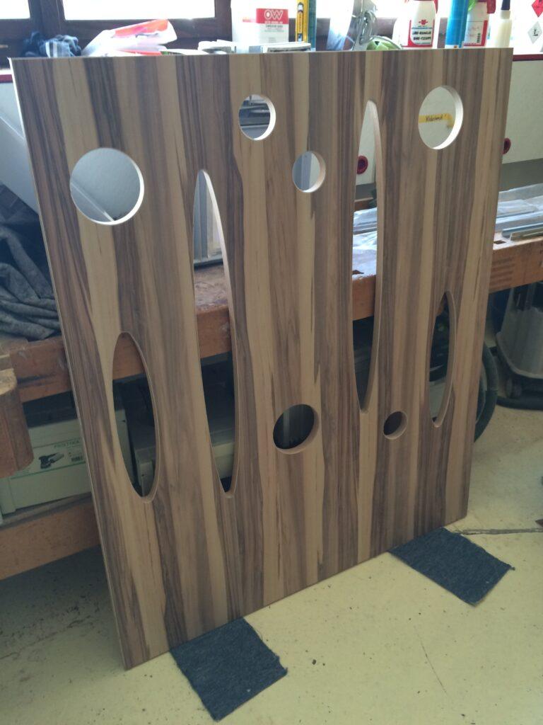 Wooddesign_Treppen_Teppengeländer__Treppenverkleidung_ovale runde Löcher (6)-min